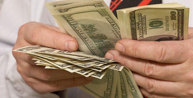 Возможен ли заработок в интернете благодаря покеру?